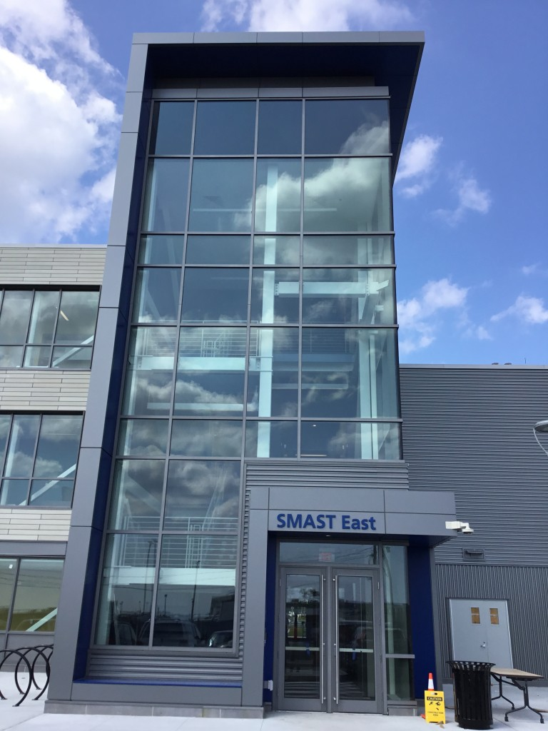 Umass dartmouth s school for marine science technology for Umass dartmouth architecture 666